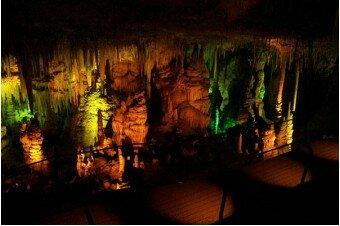 Сталактитовая пещера. Монастыри